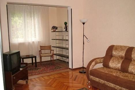 Сдается 3-комнатная квартира посуточно в Пицунде, Гочуа 21.