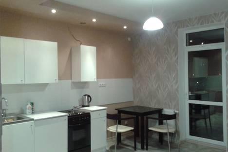 Сдается 1-комнатная квартира посуточно в Волгограде, ул. им. Ханпаши Нурадилова, 7.