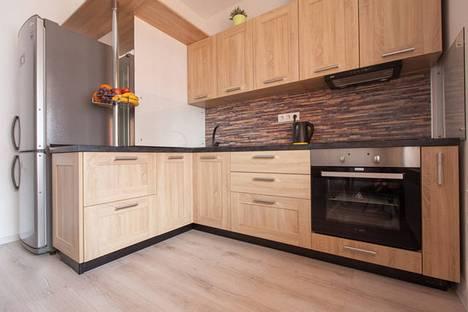 Сдается 1-комнатная квартира посуточнов Казани, улица Павлюхина 128.