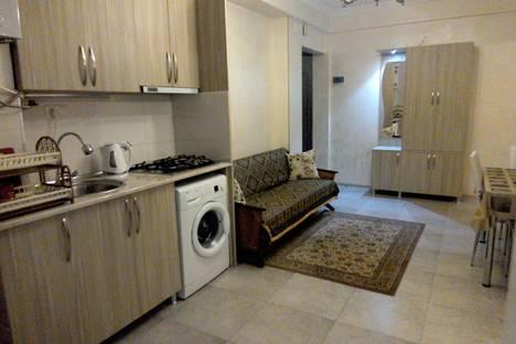 Сдается 3-комнатная квартира посуточнов Кобулети, Лермонтова 94.