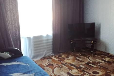 Сдается 3-комнатная квартира посуточно в Яровом, квартал В, 25.