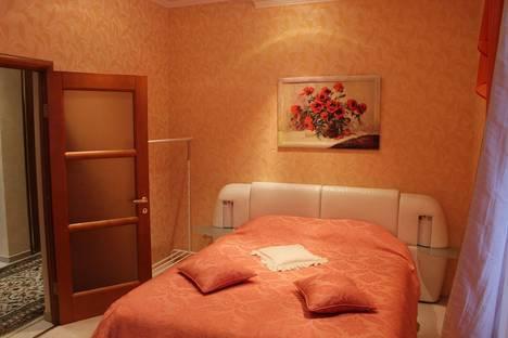 Сдается 2-комнатная квартира посуточнов Геленджике, улица Халтурина, 16.