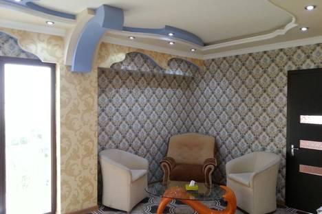 Сдается 1-комнатная квартира посуточно в Ереване, ул. Ерванда Кочара, 11.