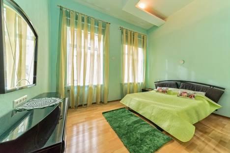 Сдается 4-комнатная квартира посуточнов Санкт-Петербурге, Караванная улица д.14.