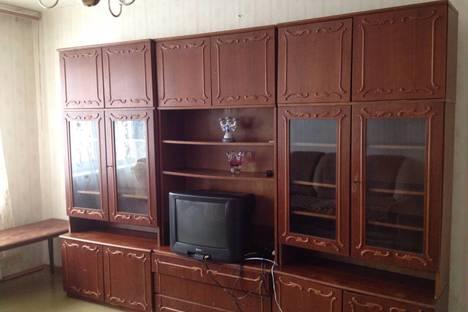 Сдается 3-комнатная квартира посуточно в Ульяновске, Заволжский район, проспект Генерала Тюленева, 36.