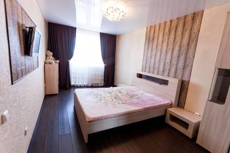 Сдается 2-комнатная квартира посуточно в Тюмени, пермякова,76.
