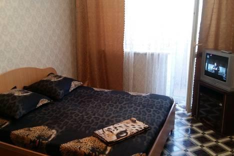 Сдается 1-комнатная квартира посуточнов Новокуйбышевске, Ташкентская улица 102.