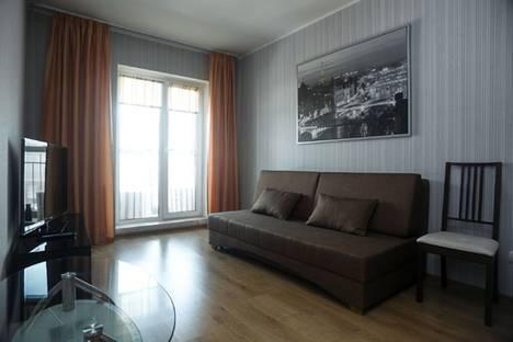 Сдается 2-комнатная квартира посуточно в Новосибирске, улица Шевченко, 15.