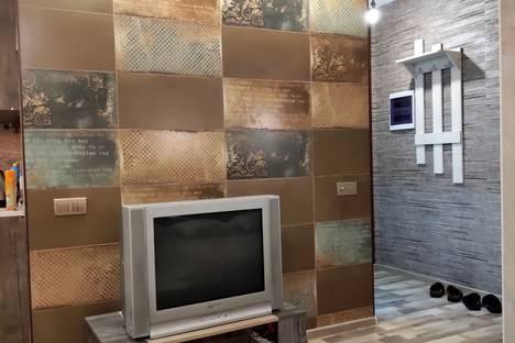 Сдается 1-комнатная квартира посуточно в Красноярске, проспект имени Газеты Красноярский Рабочий, 63А.