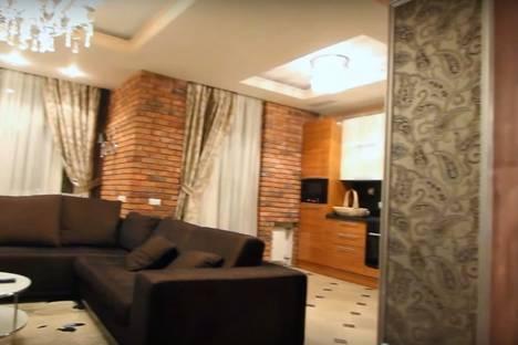 Сдается 1-комнатная квартира посуточнов Екатеринбурге, улица Московская, 66.
