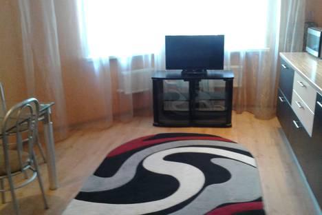 Сдается 3-комнатная квартира посуточно, улица Чапаева, 93.