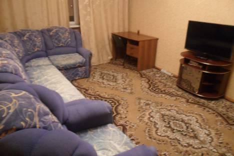 Сдается 2-комнатная квартира посуточно в Нижневартовске, улица Нефтяников, 85.