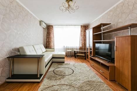 Сдается 2-комнатная квартира посуточнов Лобне, Бутырский вал 30.