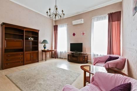Сдается 3-комнатная квартира посуточнов Королёве, 3-я Тверская-Ямская улица, 42/8.