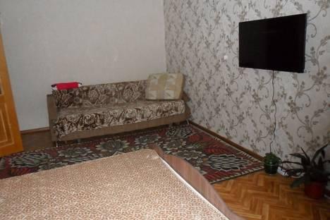 Сдается 1-комнатная квартира посуточно в Нижневартовске, улица Мира, 15.