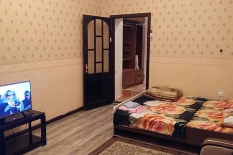 Сдается 1-комнатная квартира посуточно в Баку, 111 проспект Нефтяников.