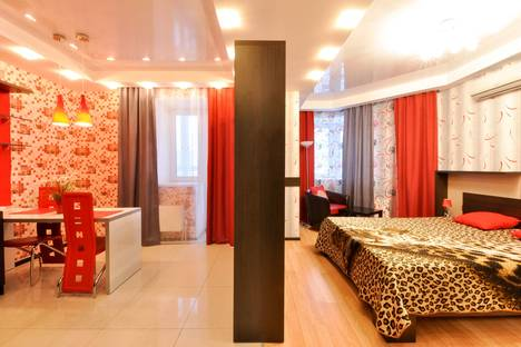 Сдается 1-комнатная квартира посуточнов Екатеринбурге, улица Сурикова, 53а.