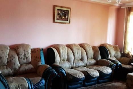 Сдается 3-комнатная квартира посуточно в Кисловодске, ул. Карла Либкнехта, 15.