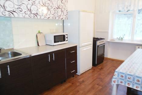 Сдается 3-комнатная квартира посуточнов Железноводске, улица Калинина, 20.