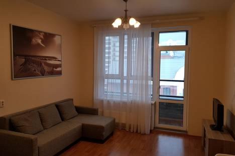 Сдается 2-комнатная квартира посуточнов Барнауле, Комсомольский проспект, 44.