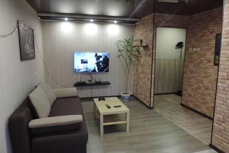 Сдается 2-комнатная квартира посуточнов Кировске, Юбилейная улица 14.