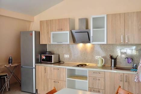 Сдается 3-комнатная квартира посуточнов Сочи, Яблочная улица 2а.