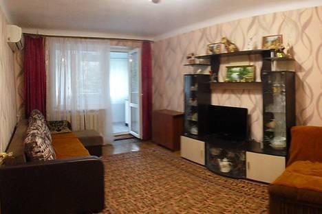 Сдается 2-комнатная квартира посуточно в Гурзуфе, Крым,29 улица Подвойского.