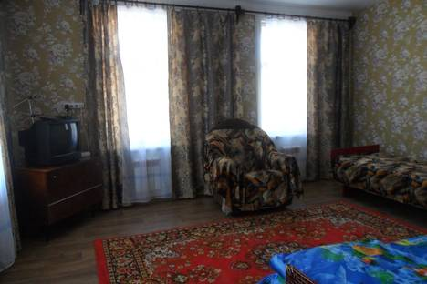 Сдается 2-комнатная квартира посуточнов Вольске, ул. Володарского д. 55.