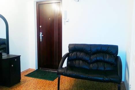Сдается 2-комнатная квартира посуточно в Тобольске, область,7 микрорайон, д.46.