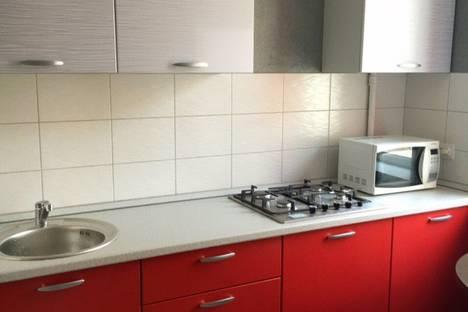 Сдается 2-комнатная квартира посуточно в Новокуйбышевске, улица Островского, 5.