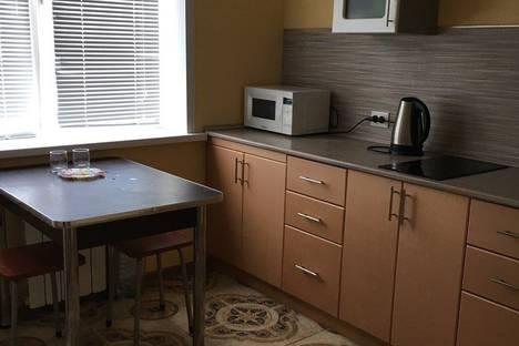 Сдается 1-комнатная квартира посуточнов Новокуйбышевске, новокуйбышевск островского 45.