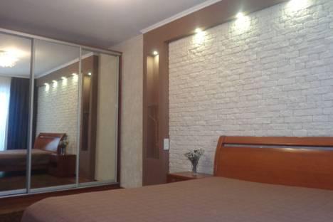 Сдается 1-комнатная квартира посуточно в Кривом Роге, вулиця Староярмаркова 1.