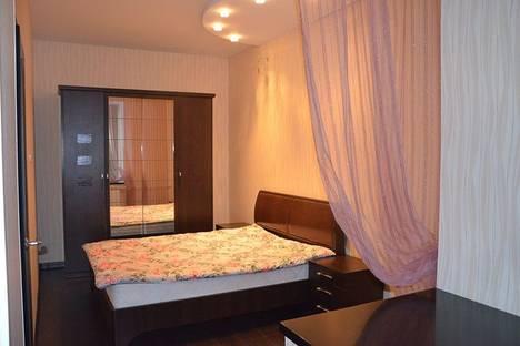 Сдается 2-комнатная квартира посуточно в Череповце, улица Годовикова, 19.