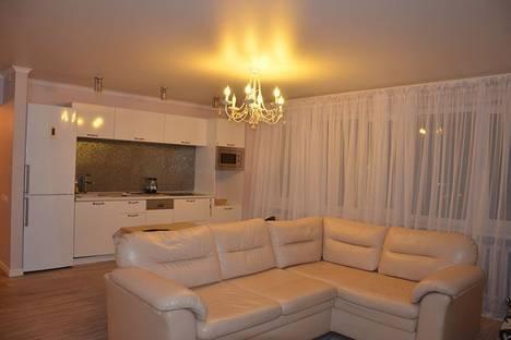 Сдается 3-комнатная квартира посуточно в Череповце, проспект Луначарского, 10.