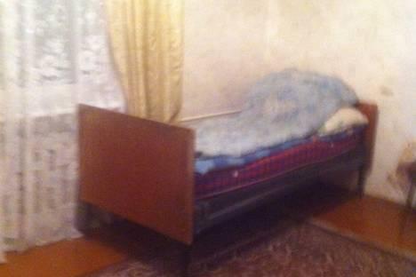 Сдается 3-комнатная квартира посуточнов Нижней Туре, улица Гикалова, 10.