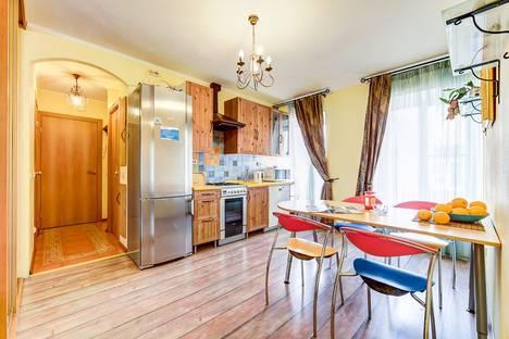 Сдается 2-комнатная квартира посуточно, Моховая улица, 44.