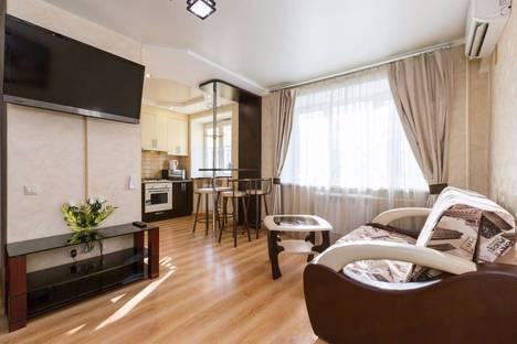 Сдается 1-комнатная квартира посуточно в Октябрьском, проспект 1А.
