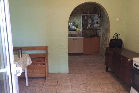 Сдается 1-комнатная квартира посуточнов Крымске, улица Пожарского, 6.