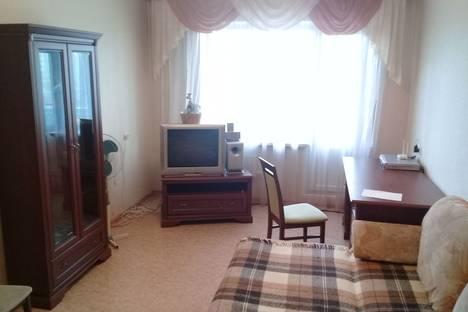 Сдается 2-комнатная квартира посуточно в Томске, ул. Ивана Черных, 24.