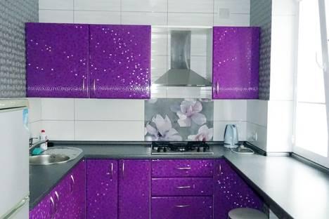 Сдается 3-комнатная квартира посуточно в Керчи, 35 5 ул. Орджоникидзе.