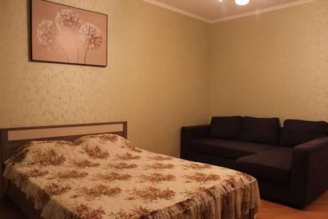 Сдается 1-комнатная квартира посуточно в Сарапуле, улица К. Маркса, 44.