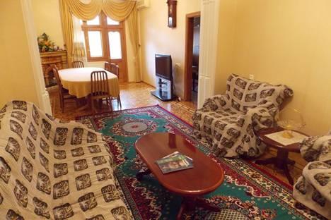 Сдается 3-комнатная квартира посуточнов Баку, Исмейил Хидайят Заде.