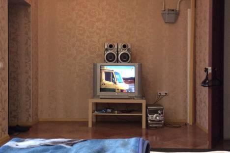 Сдается 1-комнатная квартира посуточно в Шахтах, улица Советская 94.