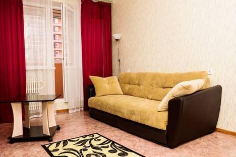 Сдается 1-комнатная квартира посуточнов Воронеже, улица Революции 1905 года, 80Г.