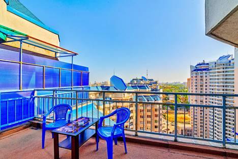 Сдается 1-комнатная квартира посуточно в Одессе, улица Среднефонтанская 19б.
