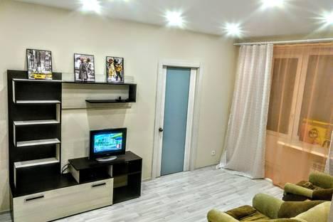 Сдается 2-комнатная квартира посуточно в Нижнем Тагиле, проспект Строителей, 5.