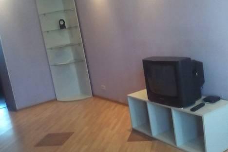 Сдается 2-комнатная квартира посуточно в Бийске, Петра Мерлина,2.