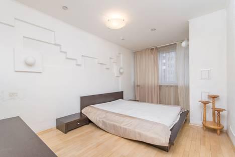 Сдается 2-комнатная квартира посуточнов Казани, проспект Ямашева, 45.