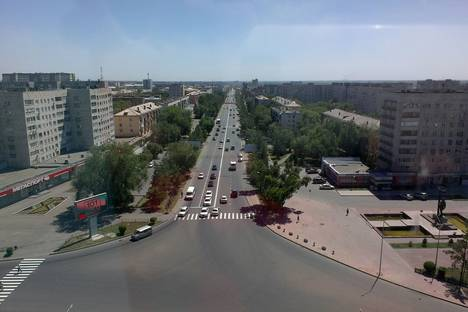 Сдается 2-комнатная квартира посуточно в Павлодаре, улица Академика Сатпаева, Торайгырова 44/1.