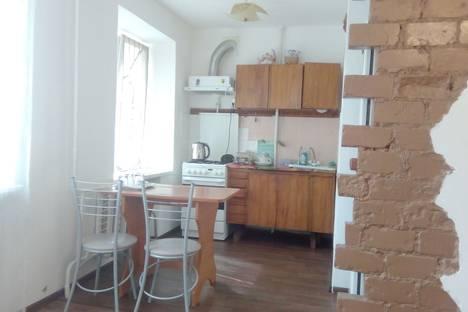 Сдается 2-комнатная квартира посуточно в Чайковском, ул. Карла Маркса, 5.